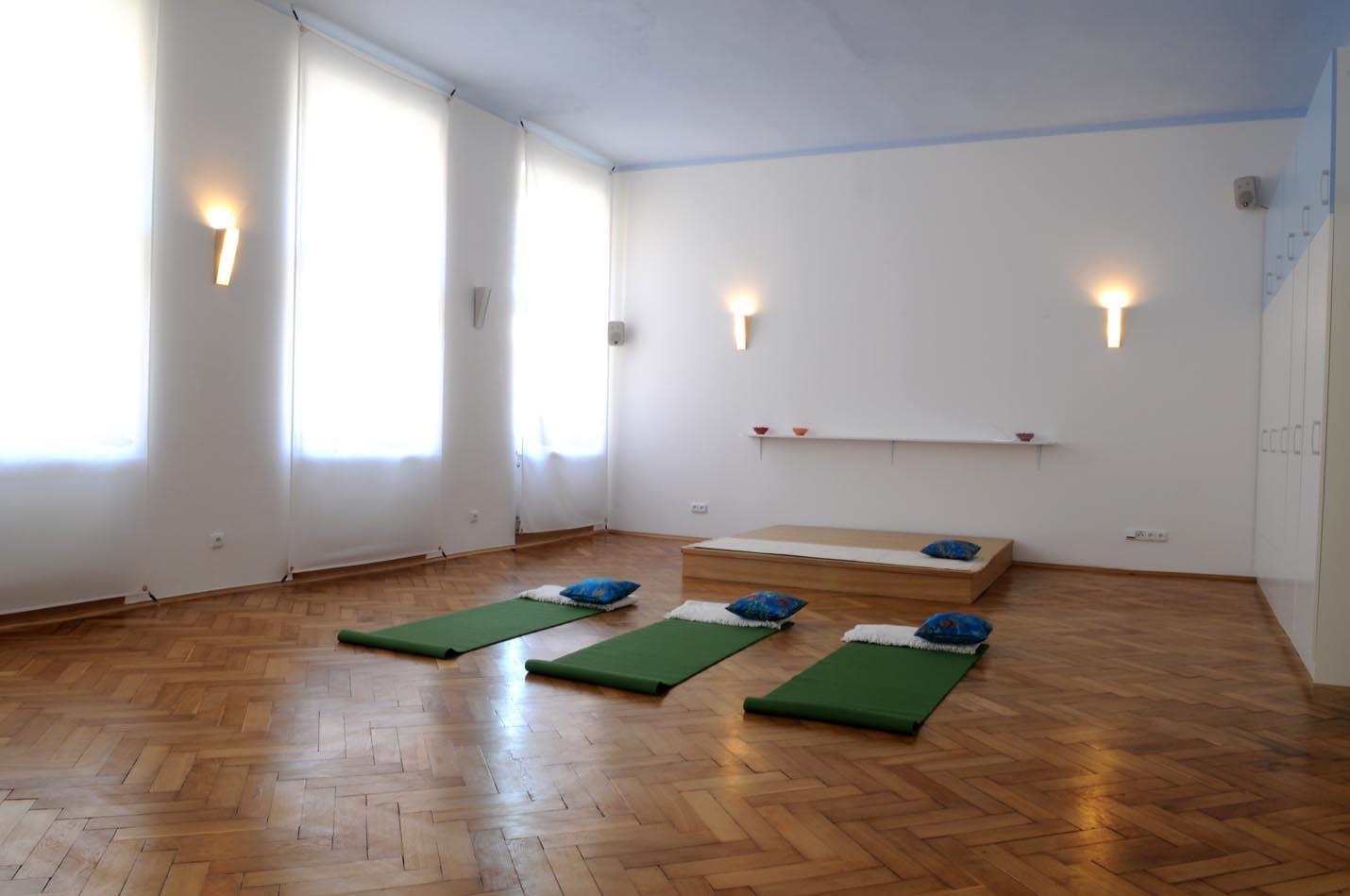 Yoga studio in centre of prague for Small yoga room ideas